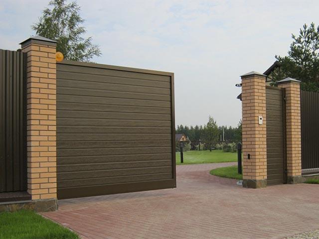 Откатные ворота с калиткой в Гомеле