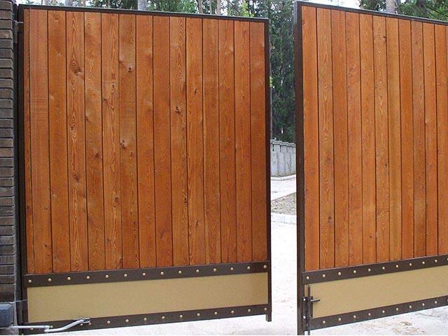 Ворота деревянные распашные