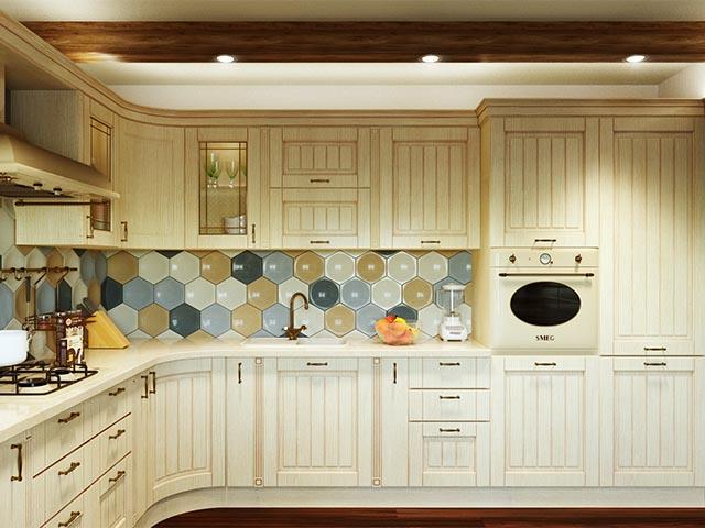 Белая кухня из массива в Гомеле